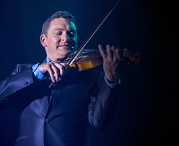 Andy Eastwood with violin